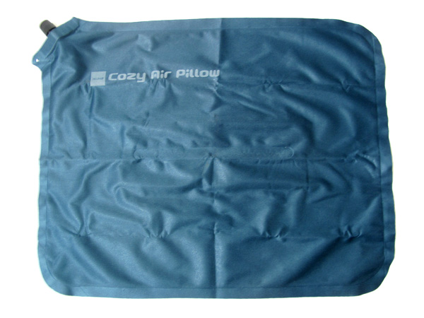 ISUKA Cozy Air Pillow 空気を抜いたところ