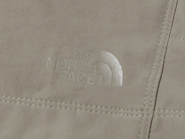 The North Face Outbound Shorts ロゴ