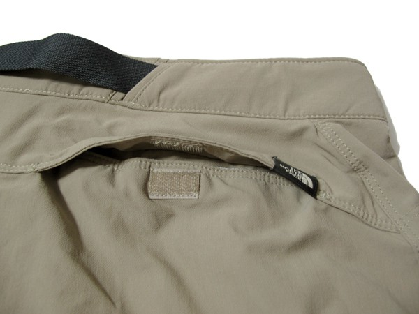The North Face Outbound Shorts バックポケットのマジックテープ