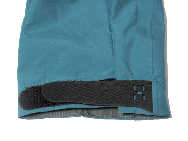 Haglofs Topo Q Gore-Tex Jacket 袖はベルクロで調整